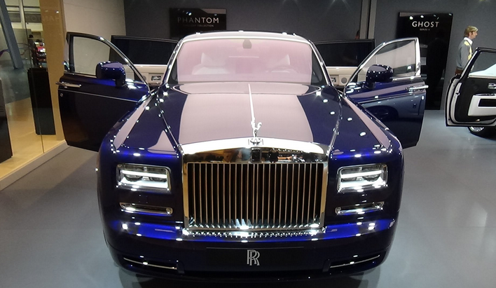 rolls-royce-phantom-limelight