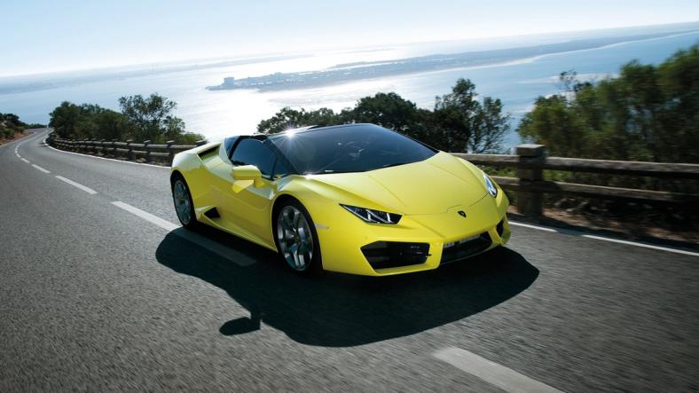 Lamborghini RWD Huracán Spyder front